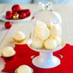 Nepečené kokosové guľky s medom