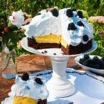 Čokoládová torta s citrónovým krémom a snehovou čiapočkou