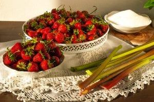 jahodovo - rebarborobý džem ingrediencie