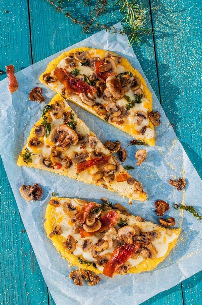 Kukuričná pizza s hubami