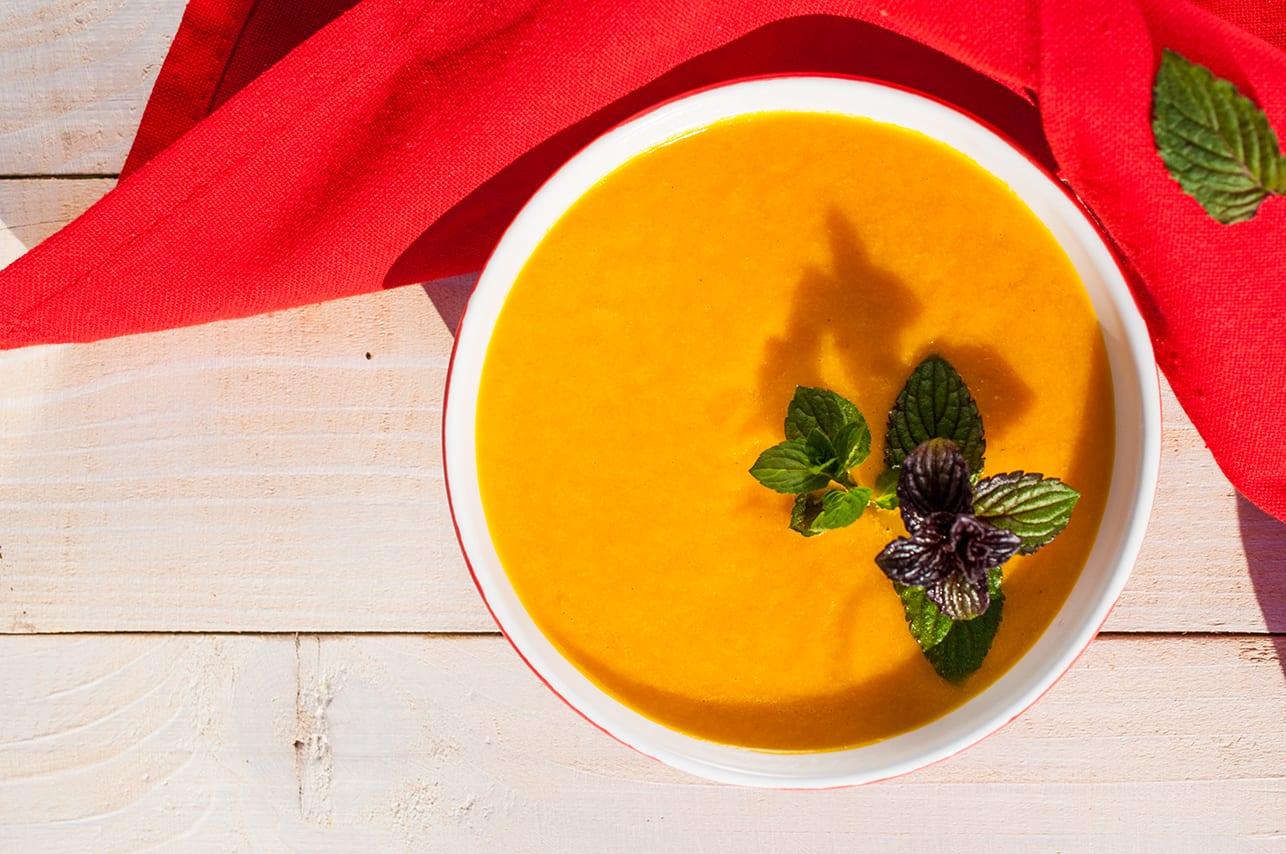Mrkvová polievka so zázvorom a medom