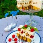 medová torta s malinami
