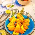 Marhuľovo-mangové špízy s kardamónovou zálievkou